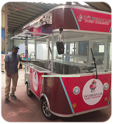 food-truck-customer-qatar